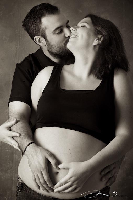 portrait de couple aven femme enceinte.