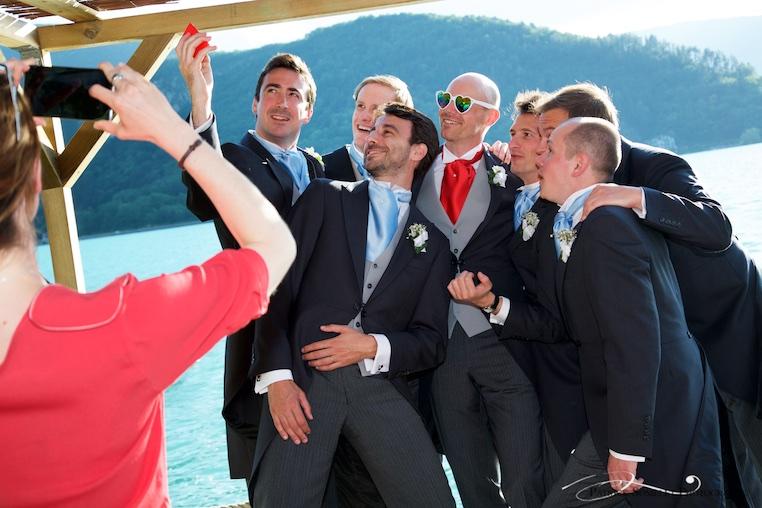 Selfies lors d'un mariage sur le lac d'Annecy.